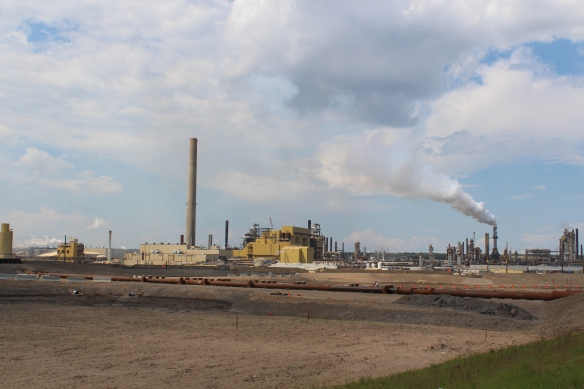 Environment Canada estimates carbon pollution from the oilsands increased 307 per cent between 1990 and 2012.